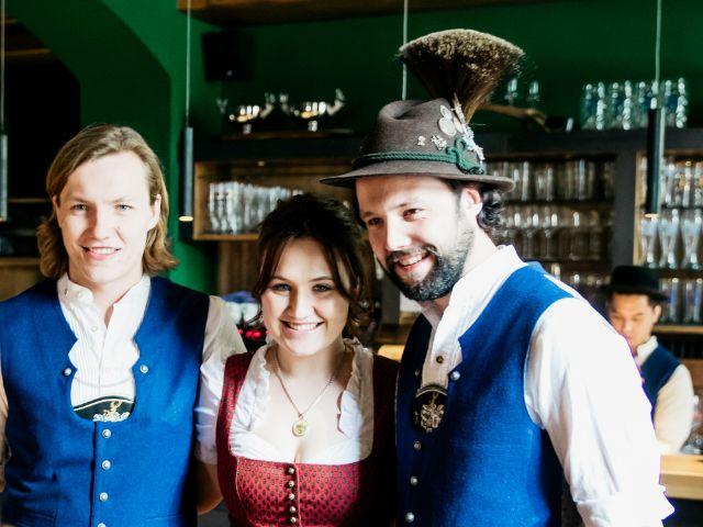 Geschwister Jakob, Theresa und Xaver Portlänger. Wirte des Xaver's, Foto: Ana Zmire / All New Arts