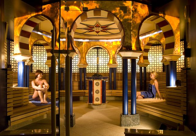 Saunieren in der Therme Bad Wörishofen, Foto: Therme Bad Wörishofen