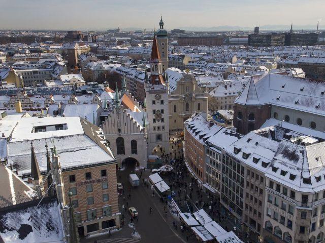 Blick auf das verschneite München, Foto: Katy Spichal