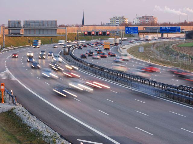 Autobahn in München bei Tag