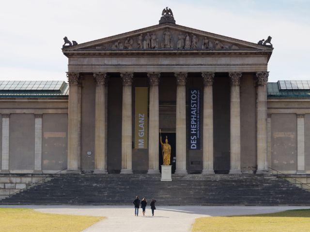 Die Staatlichen Antikensammlungen auf dem Königsplatz, Foto: Katy Spichal