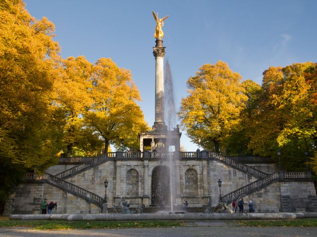 Herbst am Friedensengel, Foto: Katy Spichal