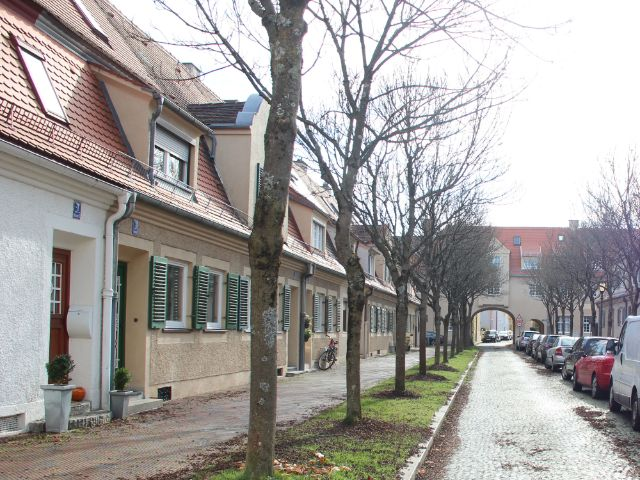 Front einer Kleinhausanlage in Laim, Foto: Christian Brunner