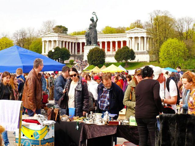 Riesenflohmarkt auf der Theresienwiese, Foto: muenchen.de/Filippo Steven Ferrara