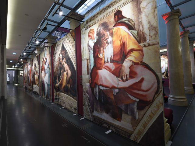 """Ausstellung """"Michelangelos Sixtinische Kapelle"""" im Palais in der Alten Bayerischen Staatsbank in München, Foto: Giobeau Productions / API  Michael Tinnefeld"""