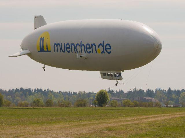 Zeppelin mit muenchen.de Logo, Foto: Immanuel Rahman