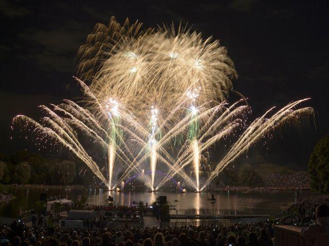 Feuerwerk beim Sommernachtstraum, Foto: Olympiapark