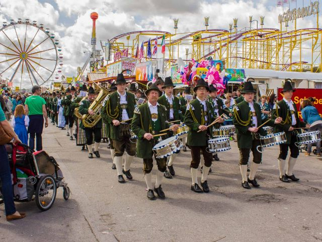 Bayerische Musikgruppe auf dem Frühlingsfest, Foto: Immanuel Rahman