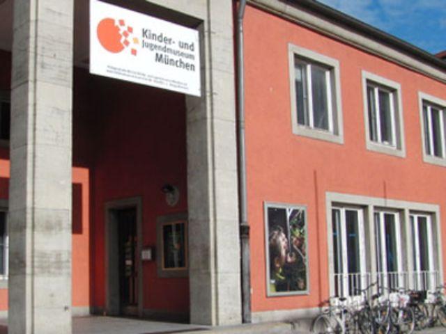 Das Kinder- und Jugendmuseum in München in der Außenansicht. , Foto: Kinder- und Jugendmuseum