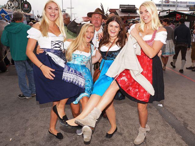Fesches Outfit auf dem Oktoberfest, Foto: muenchen.de/ Dan Vauelle