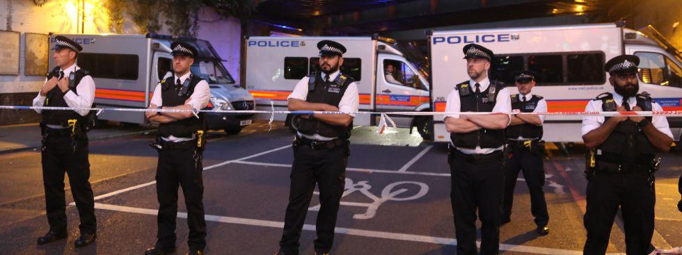 Polizisten im Londoner Stadtteil Finsbury, Foto: picture alliance / abaca