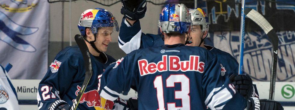 Jubel beim EHC im Spiel gegen Straubing., Foto: Red Bull / Gepa Pictures