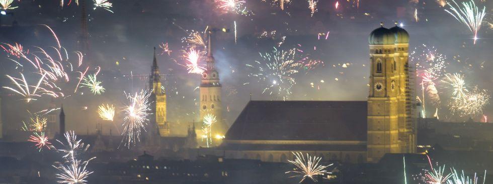 Feuerwerksraketen explodieren in der Silvesternacht am 01.01.2018, Foto: dpa