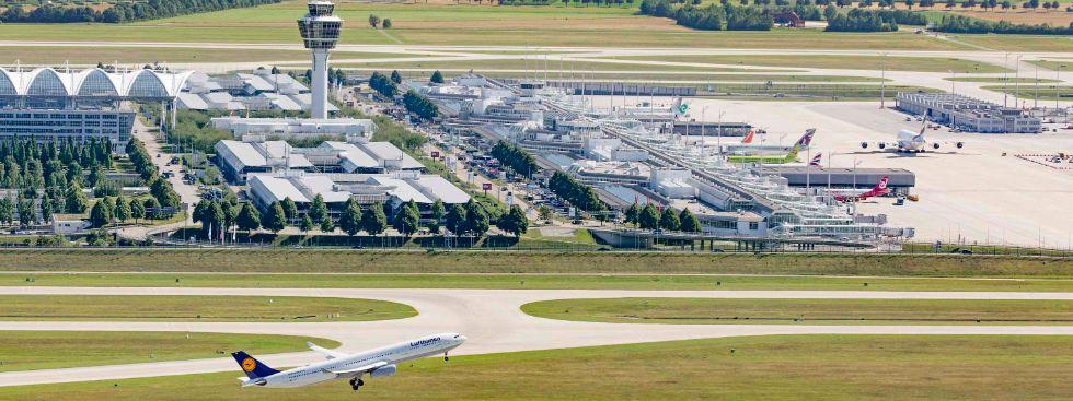 Startendes Flugzeug am Flughafen München, Foto: Flughafen München