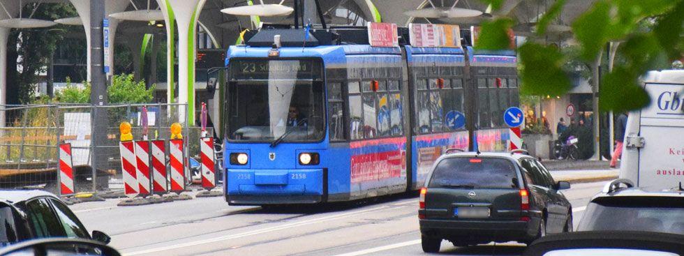 Tram 23 an der Münchner Freiheit, Foto: muenchen.de/Mark Read