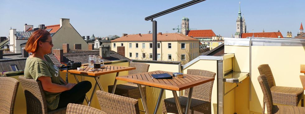 Aussicht von der Dachterrasse in der Deutschen Eiche, Foto: muenchen.de/Leonie Liebich