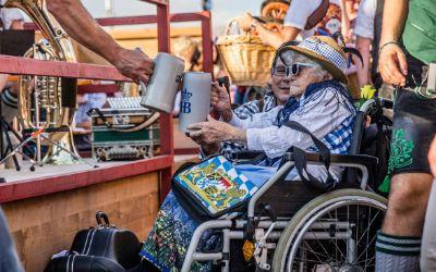 Im Rollstuhl auf die Wiesn - Barrierefreiheit auf dem Oktoberfest