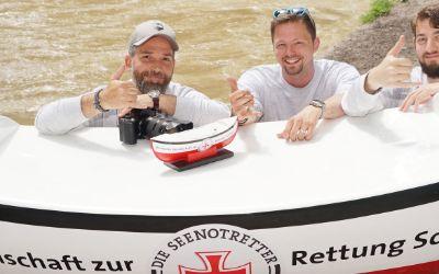 Bootstour für Seenotretter am Eisbach