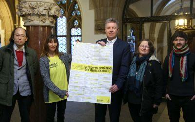 Vertreter von Amnesty International waren im Rathaus zu Gast.
