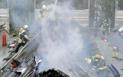 Dachbrand in der Siegfriedstraße