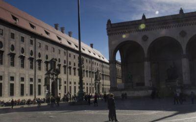Der Kaiserhoftrakt der Residenz: Fassade zum Odeonsplatz