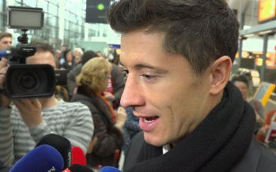 Robert Lewandowski im Interview am Flughafen München