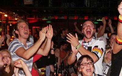 Impressionen vom Münchner Public Viewing beim EM-Spiel DFB vs. Ukraine.