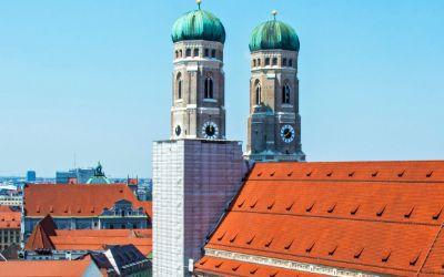 Die Frauenkirche vom Alten Peter aus gesehen