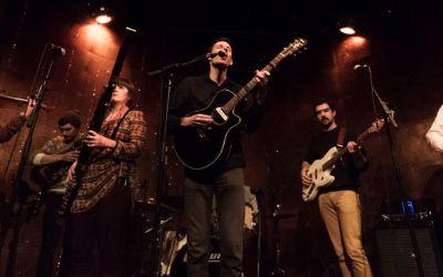 Paper Beat Scissors live auf der Bühne