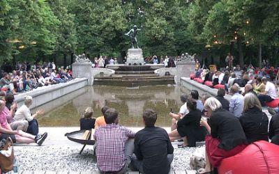 Stimmung beim Kulturstrand am Vater-Rhein-Brunnen