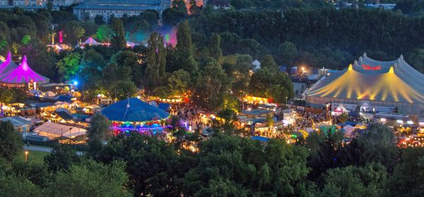 Tollwood-Totale vom Olympiaberg