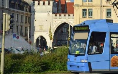 Tram 17 am Stachus