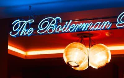 Die Boilerman Bar im 25hours Hotel The Royal Bavarian