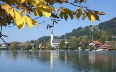 Nordansicht vom Schliersee im Herbst