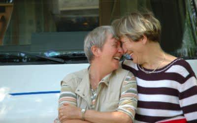 Älteres Frauenpaar
