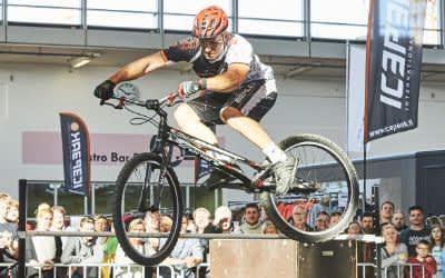 Biker auf der Freizeitmesse f.re.e