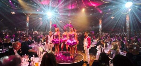 Die neue Show Fantasia von Schuhbecks teatro im Spiegelzelt