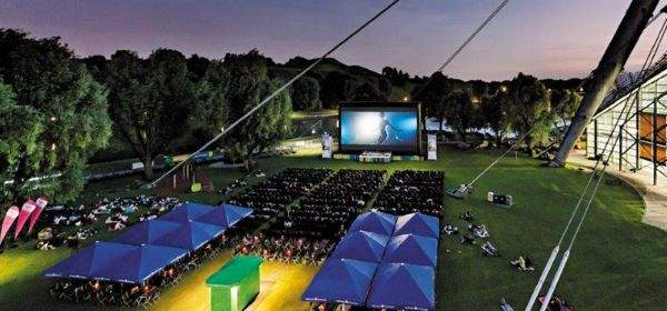 Das Open Air Kino am Olympiasee.